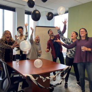 employees-celebrating