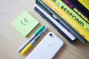 smiley-face-on-sticky-note